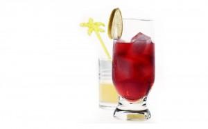 Вишневый лимонад с газированной водой
