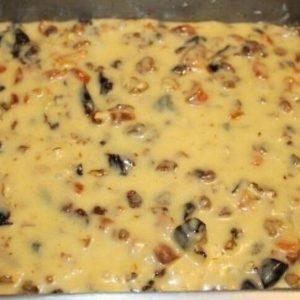 Кекс с орехами и сухофруктами